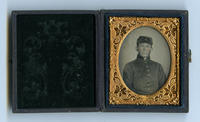 Ambrotype of unidentified soldier in Union uniform