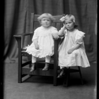Gretchen and Virginia Wohlbrück