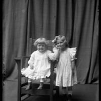 Virginia and Gretchen Wohlbrück