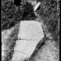 Gravestone of Dorothy Farrell (1649-1673)