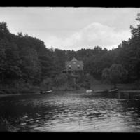 House on Lake Quinsigamond